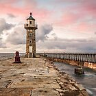 Whitby East Lightouse by Ian Wray
