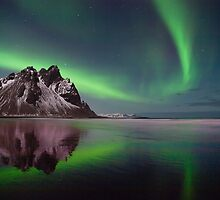 Northern Lights in Iceland. by RonniHauks