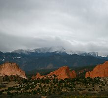 Garden of The Gods Dós by Stuart Steele