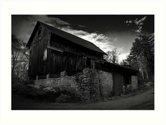 Old Abandoned Barn by Phil Campus