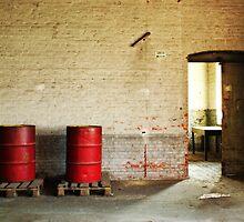 Red barrels by yanshee