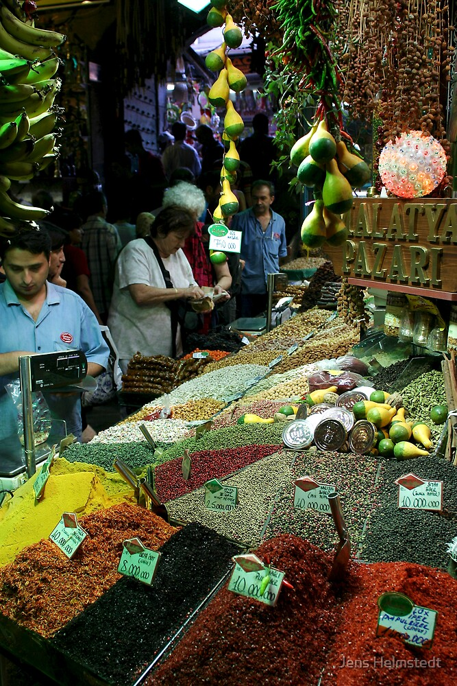The Spice Bazaar in Istanbul by Jens Helmstedt