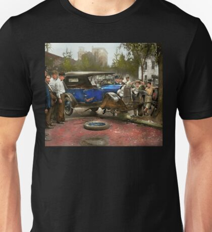 Car Accident - It came out of nowhere 1926 Unisex T-Shirt