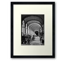 Siesta time at Placa Reial (B+W) Framed Print