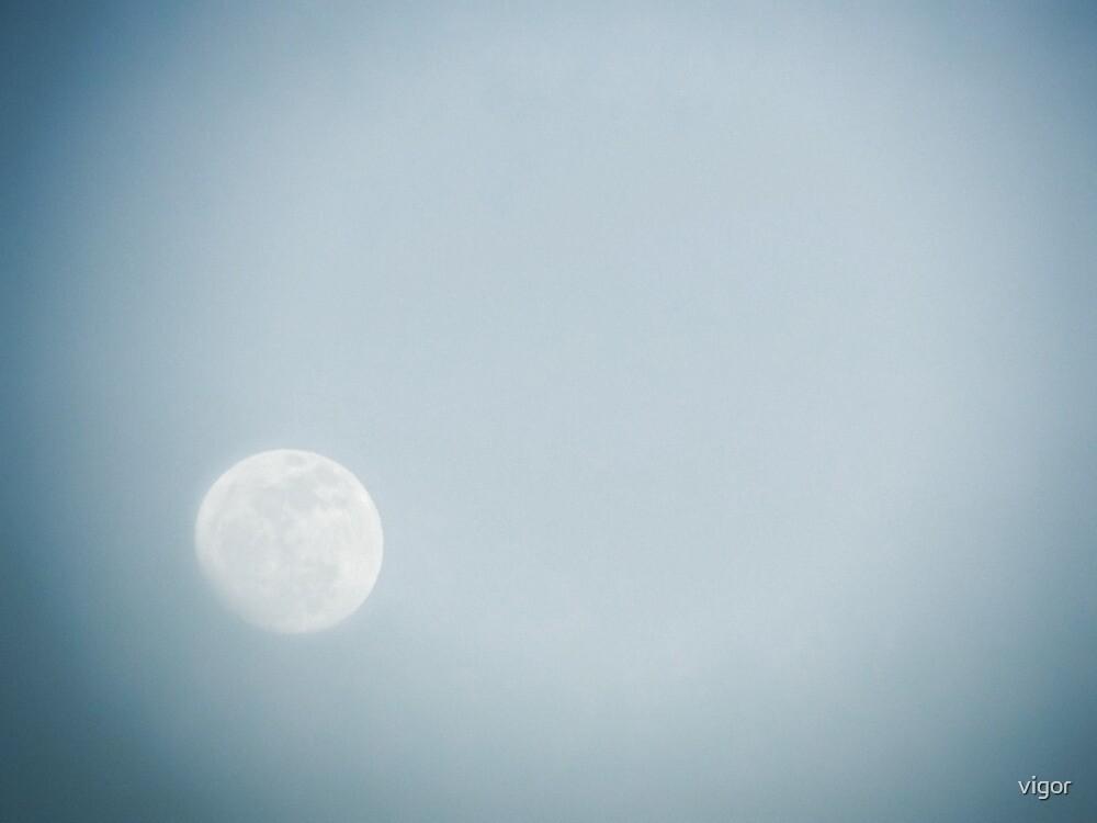 Moon glow by vigor