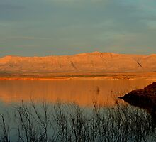Sunset At Lake Mead by Eleu Tabares