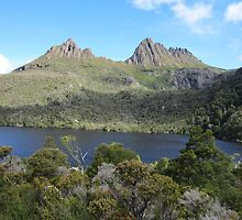 Cradle Mountain over Dove Lake (Tasmania) 2013 by jackibrown
