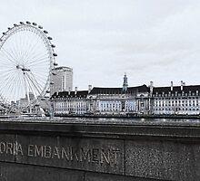 London Eye Mono by Jasna