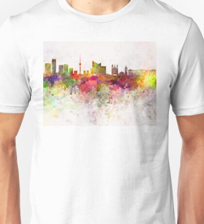 Vilnius skyline in watercolor background Unisex T-Shirt