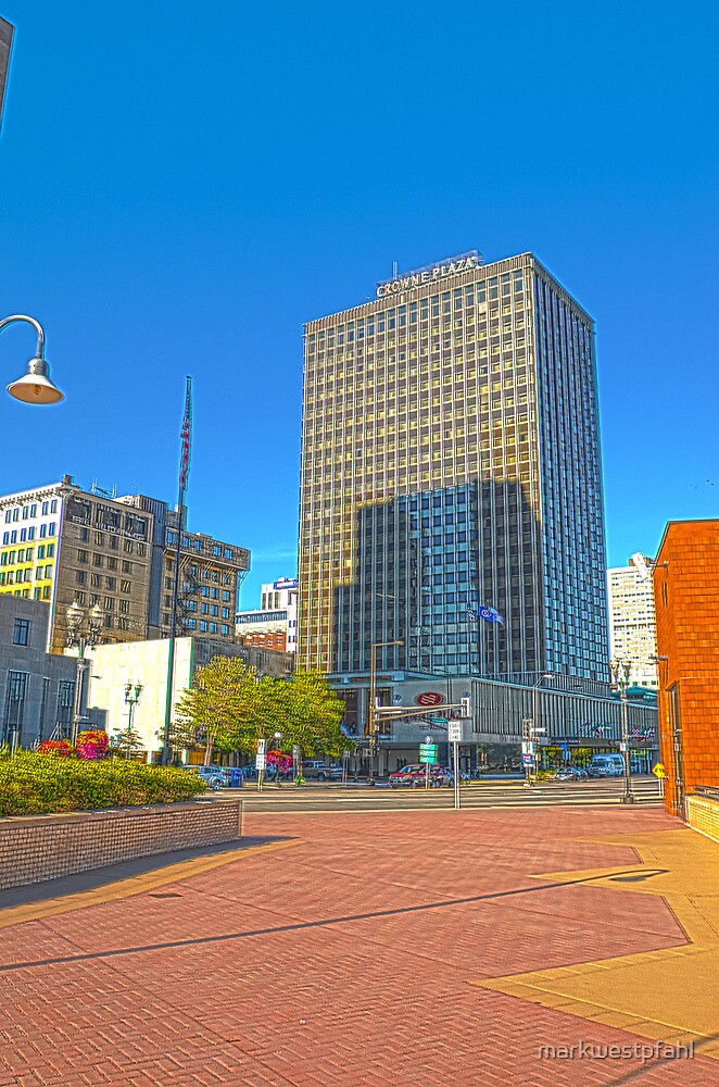 Crowne Plaza Downtown St. Paul HDR by markwestpfahl