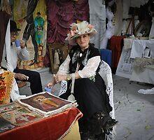 Dama   de sombrero  en su stand........ by cieloverde