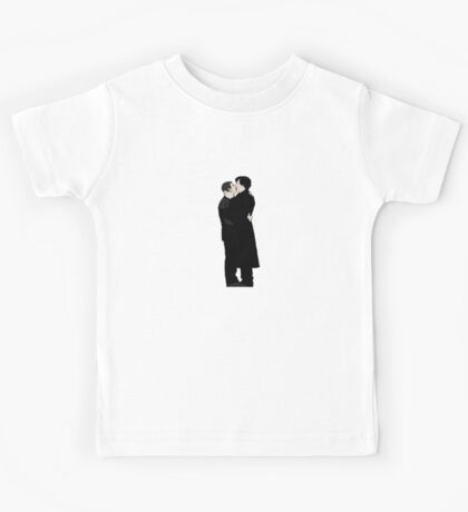 KISSING SHERLOCK AND JOHN/small Kids Tee