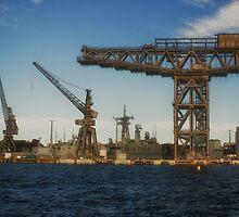 Hammerhead Crane - 3D Iron Icon? by Chris Hood