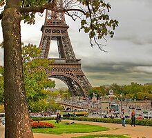 Eiffel Tower by benny2324