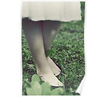 She stood in the grass Poster