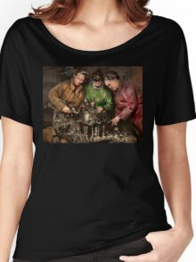 Car Mechanic - In a mothers care 1900 Women's Relaxed Fit T-Shirt