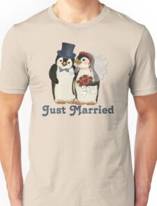 Penguin Wedding - Just Married Unisex T-Shirt