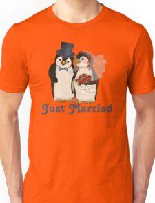 Penguin Wedding - Just Married Unisex T-Shirt