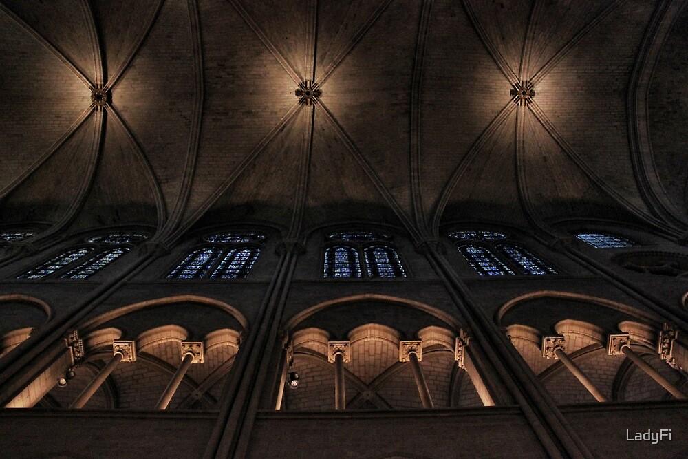Ceiling symmetry by LadyFi