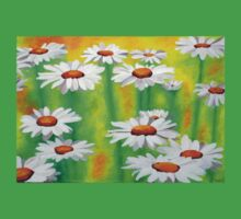 White Daisies On A Yellow And Green Summery Background Kids Tee