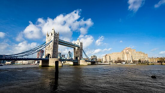 Tower Bridge in a sunny and cloudy day by Mattia  Bicchi Photography