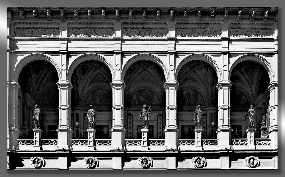 Opera house by jasminewang