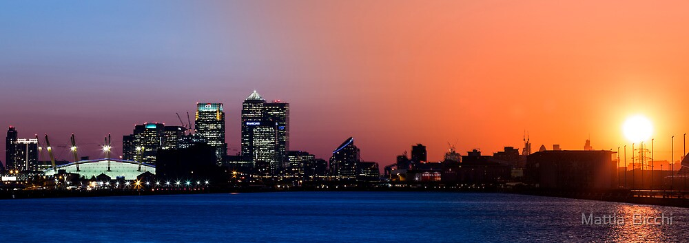 Transition of Canary Wharf Sunset by Mattia  Bicchi Photography