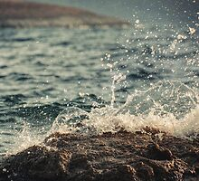 Waves in Time II by Taylan Soyturk