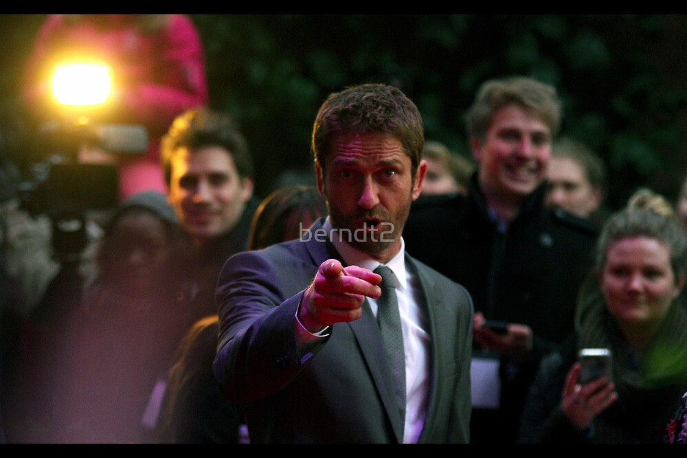 Gerard Butler wants YOU... by berndt2