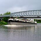 Battlestone passing under low bridge - River Trent......! by Roy  Massicks