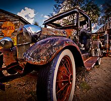 Rusted Oldtimer by Norbert Karpen