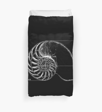 Fibonacci on a nautilus shell Duvet Cover