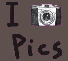 i love pics by Tia Knight