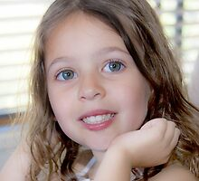 Lauren; 5 years old by ronsphotos