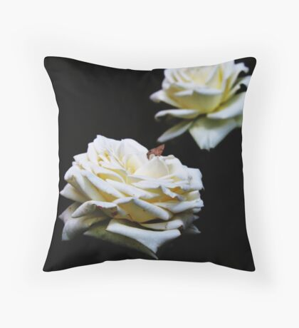 Wit Roos (White Rose) Throw Pillow