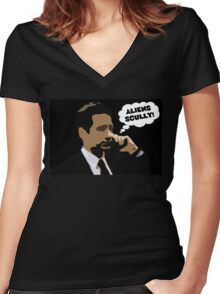 """X-Files Mulder """"Aliens Scully"""" Women's Fitted V-Neck T-Shirt"""