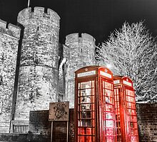 Westgate towers & Phone Boxes by Ian Hufton