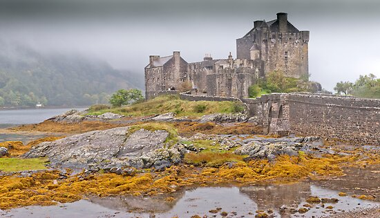 Eilean Donan Castle by Stephen Knowles