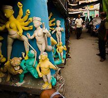 Making idols - beside streets of Kumortuli by Aurobindo Saha