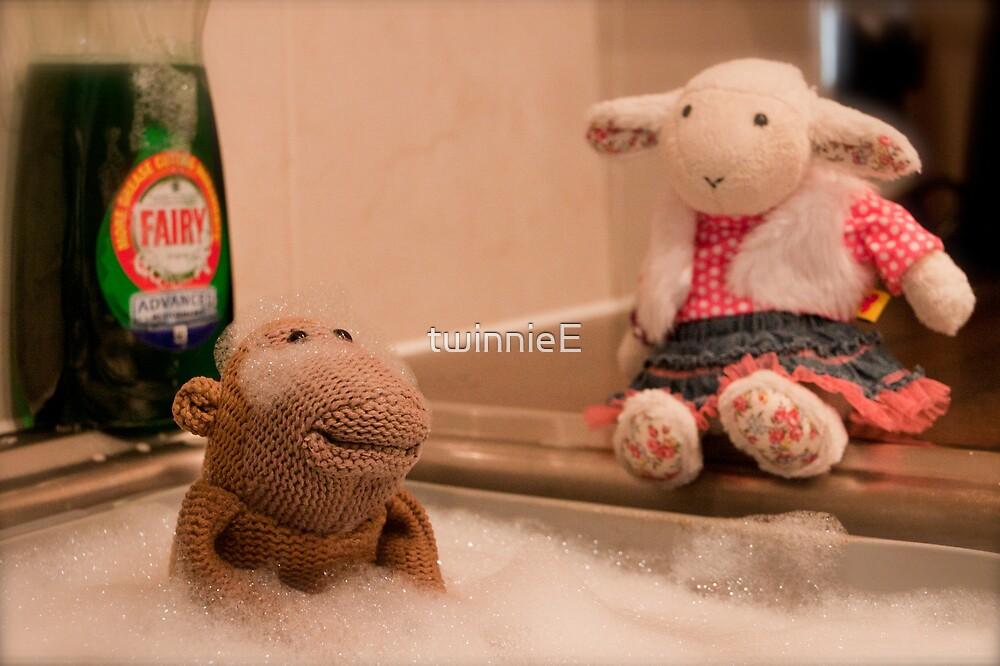 Bath Time! by twinnieE