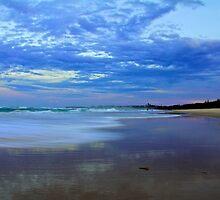Dawn Kingscliff Beach by sarcalder