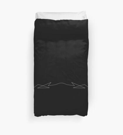 polygonal arrest - black Duvet Cover