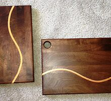 Walnut Cutting Boards with S-Curve Inlay by Robert's Woodworking Studio