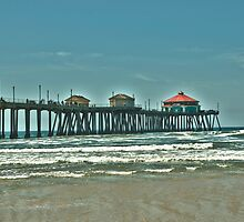 Pier at Huntington Beach. by philw