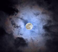 Full Moon by RebeccaGeary