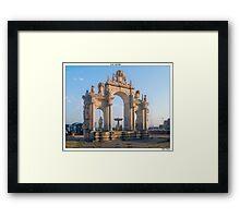 Lux aurea Framed Print