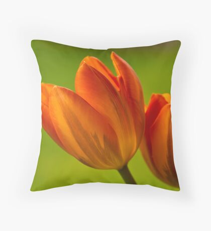Tulpen II Throw Pillow