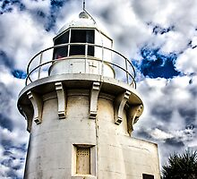 Fingal Lighthouse by louisealex