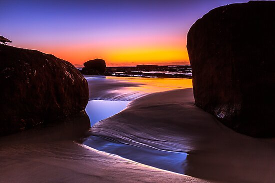 Between Two Rocks by MikeAndrew