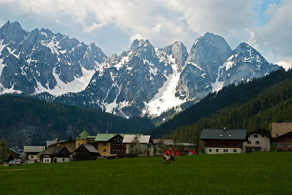Mountain Voices by Robert C Richmond